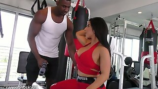 Sport milf with perfect curves Raven Hart is fucked by black fitness instructor